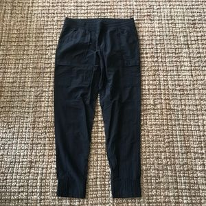 12 - North Face - Black pants